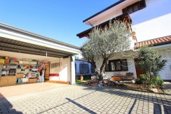 Elegante villa ideale per due famiglie