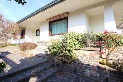 Villa singola con ampio giardino di proprietà