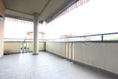 Appartamento Con Terrazzo Coperto