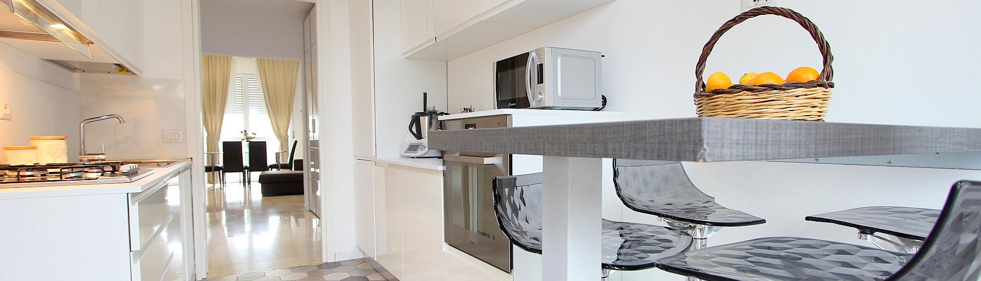 Ampio appartamento completamente ristrutturato