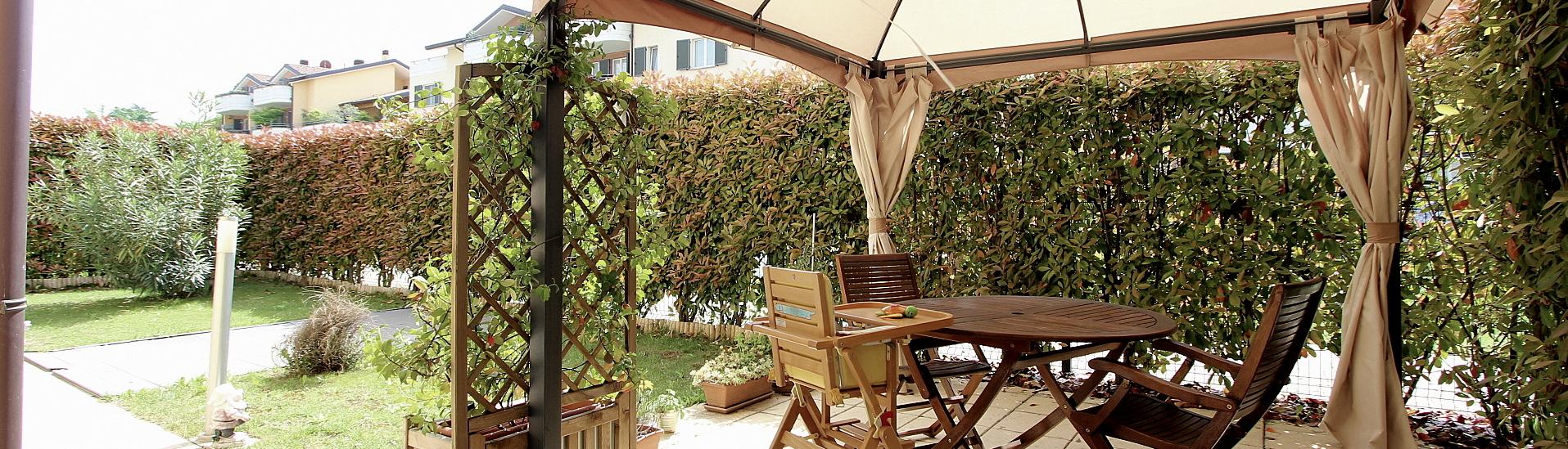 Recente costruzione. Appartamento con giardino privato