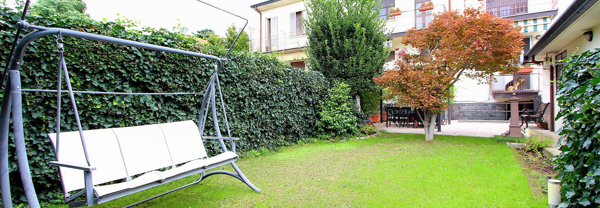 Elegante villa con giardino di proprietà